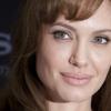 Angelina Jolie grúziai gyerekeket támogatott
