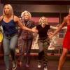 15 évvel a Feketék fehéren bemutatása után ismét összeálltak egy közös tánc erejéig a film sztárjai – videó
