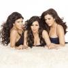A Kardashian lányok fél meztelenül pózolnak