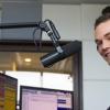 A Music FM rádiósa élő adásban bunkózta le hallgatóját