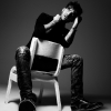 Adam Lambert tovább hergeli a rajongóit
