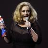 Adele bemutatott a díjátadón!