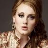 Adele igent mondott gyermeke apjának