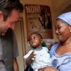 Afrikai gyermekeken segít David Arquette