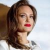Angelina Jolie Kleopátra bőrébe bújik