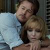 Angelina Jolie számára furcsa volt a kamerák előtt szexelni Brad Pitt-tel