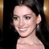 Anne Hathaway összeköltözött kedvesével