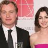 Anne Hathaway szerint Christopher Nolan kitiltotta a forgatásról a székeket - így cáfolta a rendező