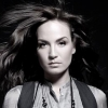 Anya lett a szerb énekesnő