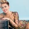 Anyaszült meztelenül állna színpadra Miley Cyrus