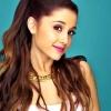 Ariana Grande a MAC új reklámarca