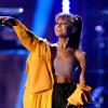 Ariana Grande szívesen turnézna, de fél távol lenni az otthonától
