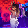 Ariana Grande tetoválást csináltatott a manchesteri tragédia emlékére