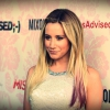 Ashley Tisdale mostantól robogóval jár
