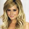 Ashley Tisdale ismét szőkére váltott