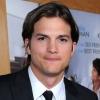 Ashton Kutcher veszi át Charlie helyét