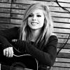 Az elmúlt évek tapasztalatai ihlették Avril Lavigne legújabb lemezét