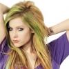 """Avril Lavigne: """"Az új illat majdnem kész"""""""