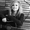 Avril Lavigne új kislemeze a Smile lesz