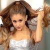 Sötétbarna hajjal hódít Ariana Grande