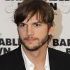 Beadta a válókeresetet Ashton Kutcher