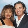 Bekötötték Tina Turner fejét