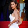 Bella Hadid idén is villantott Cannes-ban