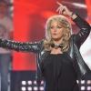 Bonnie Tyler: 2 új duett és ezer tehén