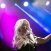 Bonnie Tyler dallal segíti a rászoruló gyermekeket