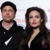 Brad és Angelina meglátogattak egy kórházat