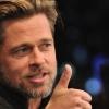 Brad Pitt tankot vásárolt