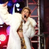 Bréking: Miley Cyrus felöltözött