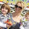 Britney Spears fiára fordítva adták a cipőt