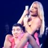 Britney Spears Joe Jonasnak rúdtáncolt