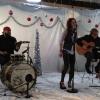 Britt Nicole karácsonyi dalt énekel