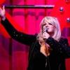 Bútoráruházban énekelt Bonnie Tyler
