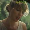 Cara Delevingne és Kaia Gerber is imádja Taylor Swift kardigánját