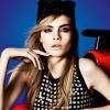 Cara Delevingne újra modellkedik