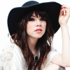 Carly Rae Jepsen a 90210-ben is dalra fakad