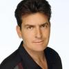 Charlie Sheen nem iszik, nem drogozik és nem csajozik többé