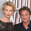 Charlize Theron Sean Penn-nel randizik