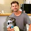 Chris Hemsworth imádnivaló koalabébivel fotózkodott
