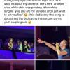 Chris Martin egy koncerten vallott szerelmet Dakota Johnsonnak – videó!