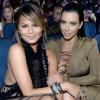 Chrissy Teigen szívesen lenne Kim Kardashian harmadik gyermekének béranyja