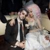 Christina Aguilera hivatalosan is elvált