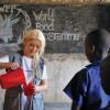 Christina Aguilera Ruandában jótékonykodott