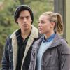 Cole Sprouse-t boldoggá teszi, hogy a Riverdale-rajongók azt szeretnék, ő és Lili Reinhart együtt legyenek