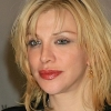 Courtney Love bíróság elé áll