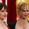 Dakota Johson anyukáját nem érdekli A szürke ötven árnyalata