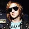 David Guetta feltörekvő DJ-ken segít